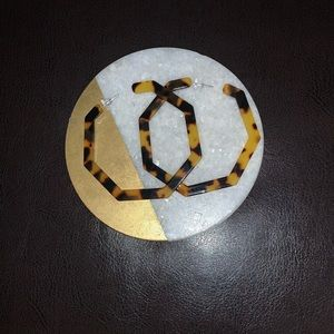 💐 3/$12 Acrylic Tortoise Shell Hoop Earrings